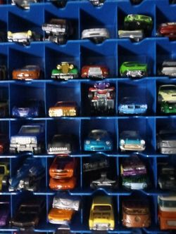 Hot Wheels 88 Lot & Extra Cars $980 for Sale in Winter Haven,  FL