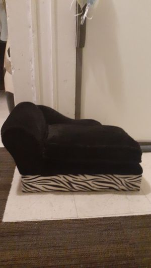 Luxury SMALL Cat or Dog Bed with Storage for Sale in Bloomfield, NJ
