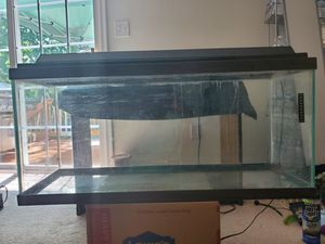 35 gallon fish tank with rocks, $40 . Must pick up. for Sale in Crimora, VA