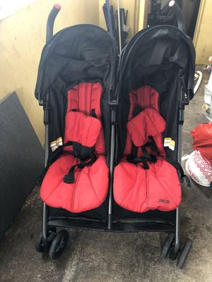 Zobo stroller for Sale in Miami, FL