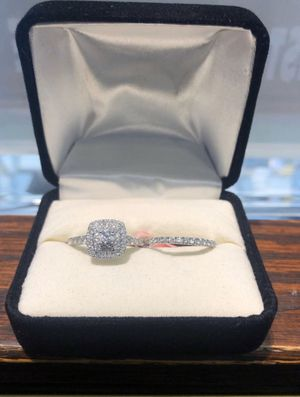2pc Engagement and Wedding ring set! (1CT Diamond)10k Gold for Sale in Kissimmee, FL