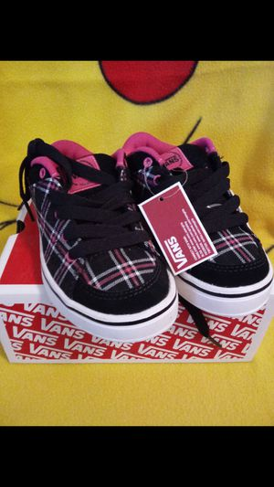 Vans Young Girls Shoes (NEW) for Sale in El Paso, TX
