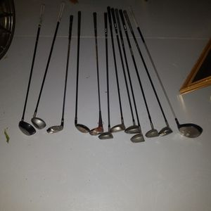 Golf Clubs 12 Of Them for Sale in Hampton Bays, NY