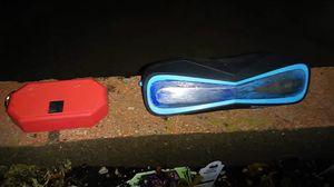 Waterproof Magnavox Bluetooth speaker for Sale in Prineville, OR