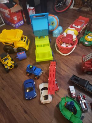 A lot of toys. 40 dll x all. They are BIG. Good CONDITIONS for Sale in Houston, TX