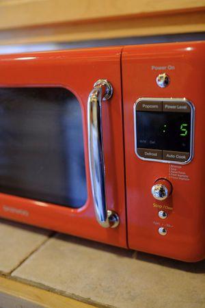 Daewoo retro microwave 700 W for Sale in Washington, DC