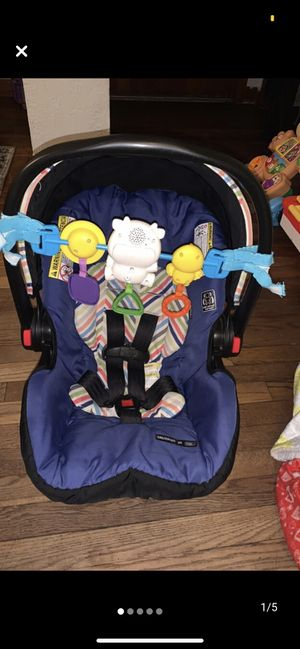Baby boy car seat for Sale in Greencastle, IN