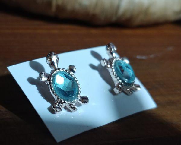 Aqua blue turtle design earrings