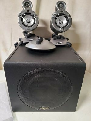 Klipsch Pro Media GMX A-2.1 Sub woofer and speaker set, good working condition with all cables. with control pod. Easy safe contactless pick up, Vista for Sale in Vista, CA