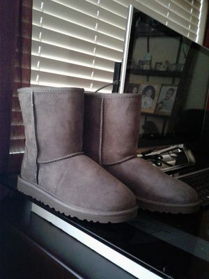 Uggs size 6 and 5 for Sale in Tolleson, AZ