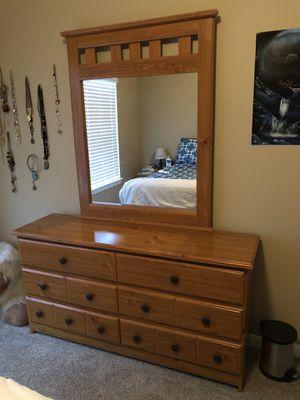 Dresser and bedside table set for Sale in Brownwood, TX