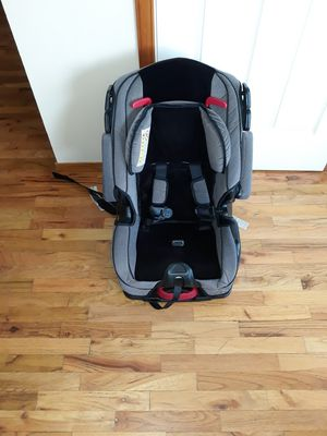 VERY NICE BIG CARSEAT WITH ADJUSTABLE SEAT AND BACK SUPPORT VERY COMFORTABLE FOR SALE for Sale in Bellevue, WA