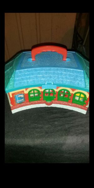 Thomas RoundHouse Pick Up Only for Sale in Culver City, CA