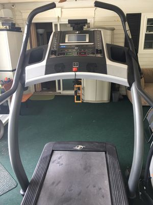 NordicTrack Incline Trainer X7i Treadmill for Sale in Piscataway, NJ
