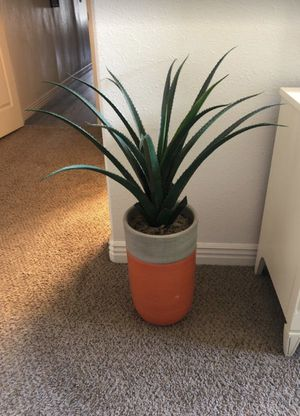 Fake aloe plant with heavy ceramic painted base for Sale in Phoenix, AZ
