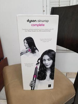 Dyson airwrap complete set for Sale in Phoenix, AZ