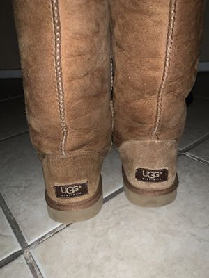 Ugg boots size 7 in women's for Sale in Bakersfield, CA