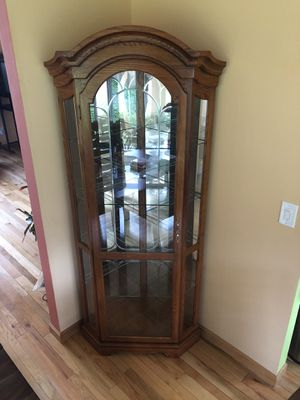 Chine Antique Glass/Wood Cabinet for Sale in Federal Way, WA