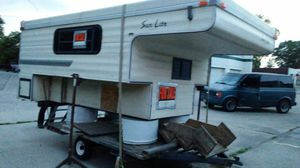 SUN LITE CAMPER FOR 8FT' TRUCK BED for Sale in Indianapolis, IN