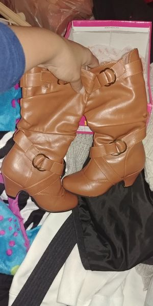 Girls tan boots size 10C for Sale in Federal Way, WA