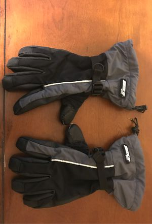 Large snowboarding gloves for Sale in Victorville, CA