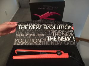 Evalextric hair straightener for Sale in Chino, CA