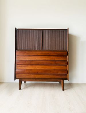 Mid century modern dresser, Lane First Edition for Sale in Avon, OH