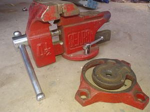 Sears 4.5 inch vise. for Sale in Colorado Springs, CO