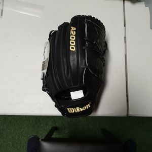 "Wilson A2000 CK22 11.75"" Pitcher's Glove for Sale in Tustin, CA"