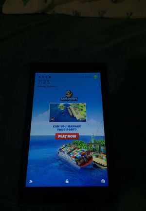 Amazon fire tablet cracked but works perfect for Sale in Anaheim, CA
