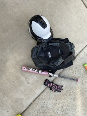 Softball bag for Sale in Bloomington, CA