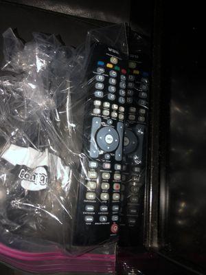 """Toshiba TV 32"""" inches for Sale in Evanston, IL"""