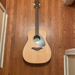 Yamaha FG800 6 String Acoustic Guitar With Bag for Sale in College Park, GA