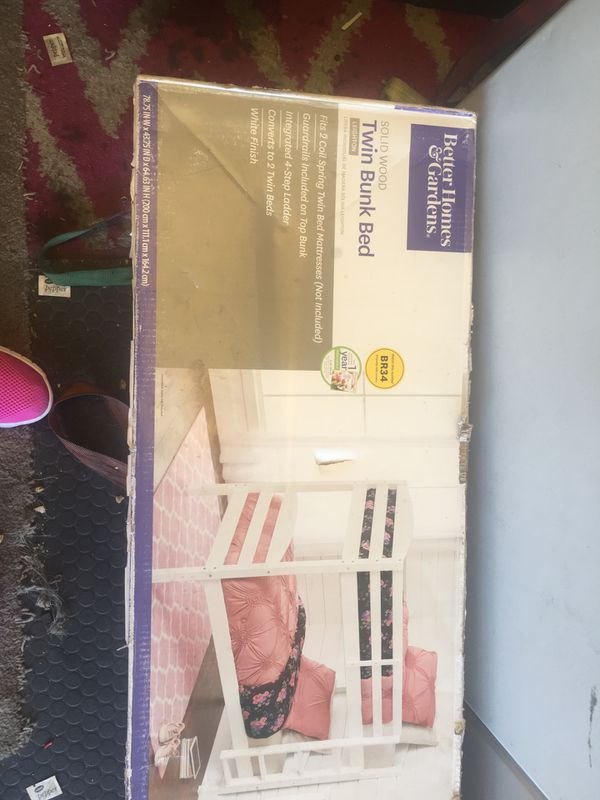 Twin bunk bed (white)