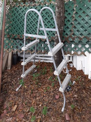 $35. Pool Steps 4-5ft. tall ladder for Sale in Clearwater, FL