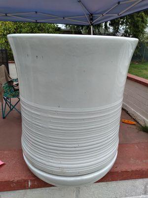 """New Planting Pot """"Ismara planter white 19in."""" $80$ ObO😷 for Sale in San Bernardino, CA"""