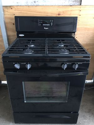 Whirlpool natural gas stove for Sale in Tulsa, OK