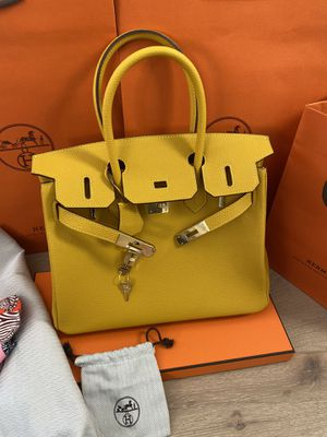 Please send an offer if you are interested in this bag !! hermes birkin 30 yellow with lock , key , dust bag , and bag! The twilly slim is not incl for Sale in Los Angeles, CA