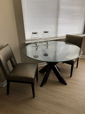 Dining Table and chairs for Sale in Alexandria, VA