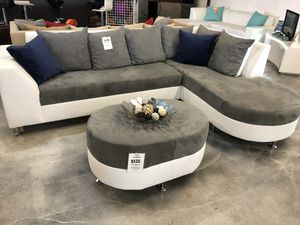 Sectional Sofa with Round Chaise for Sale in Miami, FL