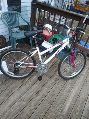"18 speed 24"" Roadmaster mountain bike for Sale in Columbus, OH"