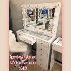 """NEW VANITY INCLUDES 💕DRESSER """" MIRROR AND LIGHTBULB 💡💕READY FOR PICK UP OR DELIVERY AVAILABLE for Sale in Huntington Park,  CA"""