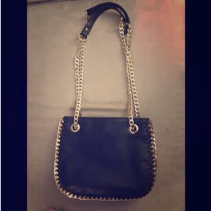 soft leather shoulder bag (really cute) for Sale in Rockville, MD