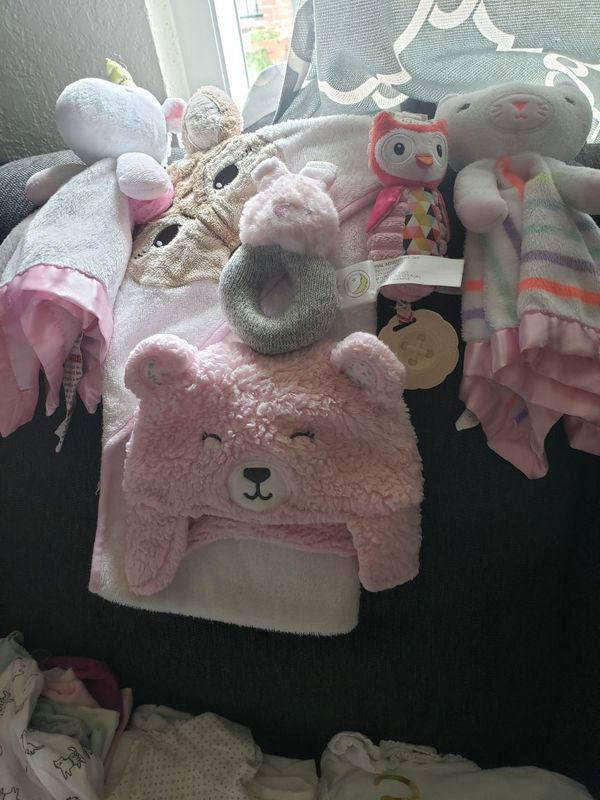 Girls bundle of clothes 3, 6, 9 and 12 months