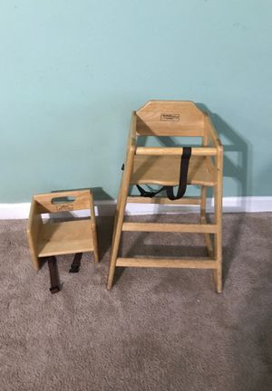 Baby chairs.. for Sale in Atlanta, GA