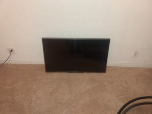 """Gantz 42""""computer monitor rotating and tilting wall mount for Sale in Wichita, KS"""
