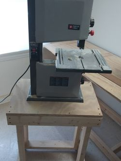 Porter Wagner Band Saw and Stand with casters for Sale in Covington,  GA