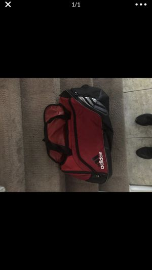 Adidas duffle bag for Sale in Las Vegas, NV