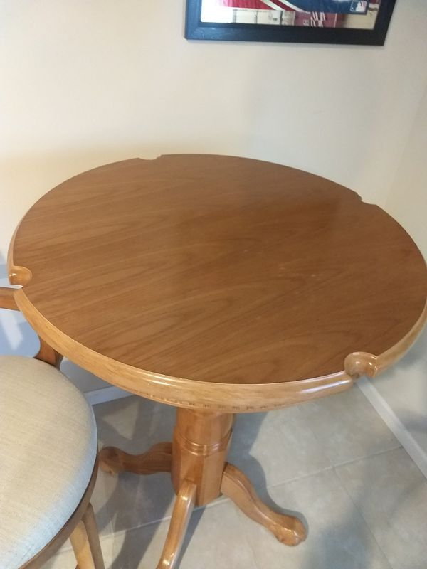 Oak pub/ Game table and 2 quality stools