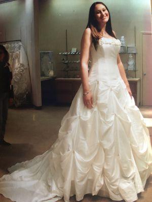 Wedding Dress, Tiara, Petticoat for Sale in San Antonio, TX